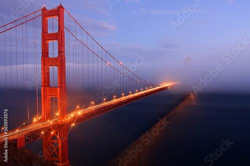 Golden Gate Bridge At Dusk фототапет