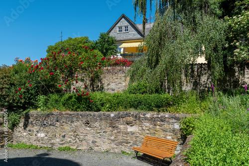 Tablou Canvas Eine Gartenanlage in der Altstadt von Wetzlar