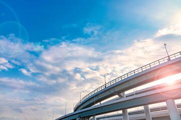 青空と雲と高架橋