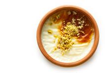 Traditional Turkish Dessert Su...