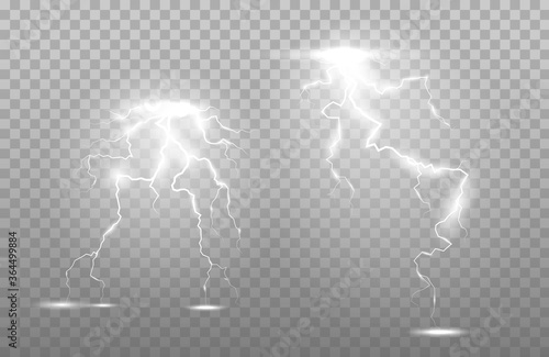 Foto Vertical lightning bolts in the sky
