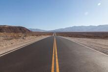 Carretera En El Desierto Del D...