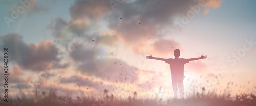 Papel de parede Happy man rise hand Worship God in morning view
