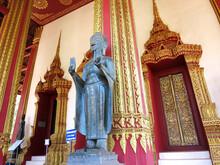 The Jade Buddha Temple (Wat Ha...