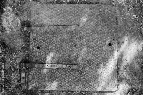 Tablou Canvas właz do studni działkowej manhole for allotment well