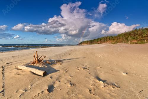 Tęcza nad plażą - Morze Bałtyckie - Pomorze zachodnie