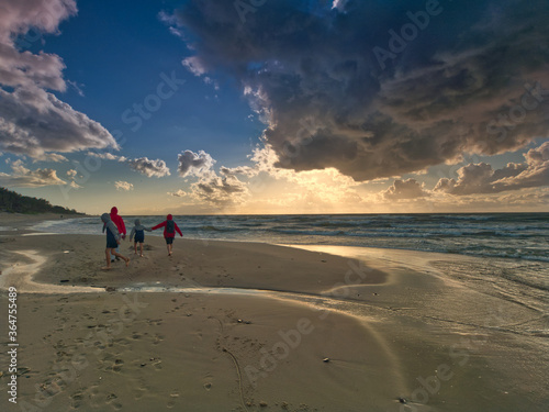 Morze Bałtyckie- spacery - zachód słońca