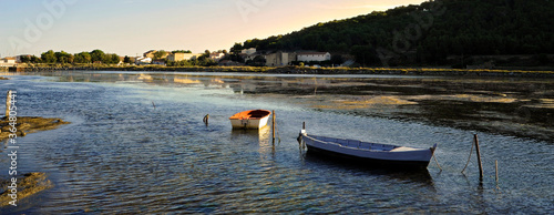 Photo Panoramique barques sur le lac de Gruissan (11430) au crépuscule, Aude en Occita