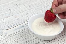 Men's Hand Dips Strawberries I...