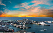 V & A Waterfront And Harbour A...