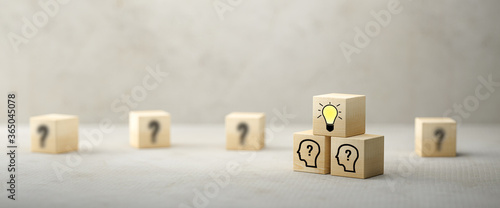 Fotografering cubes showing a brainstorming session on concrete background