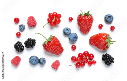 Fotografía Mix of fresh berries on white background, flat lay