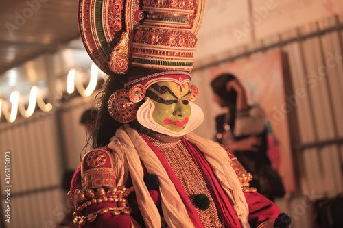 Papel de parede Kathakali dancer in green face paint