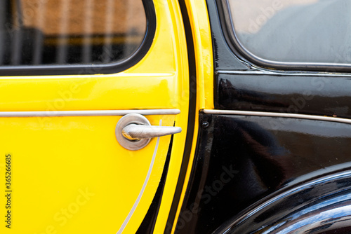 Slika na platnu Black Yellow Citroën 2CV
