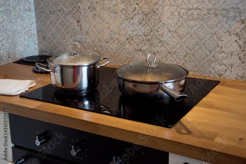 Fototapeta Płyta kuchenna z garnkiem i patelnią obraz