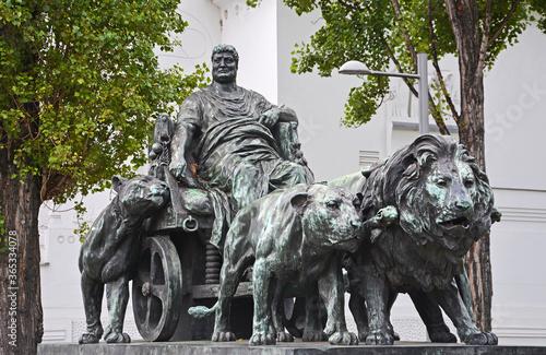 Photo Marc Anton Gruppe von Arthur Strasser bei der Secession in Wien