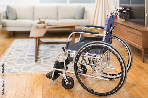 リビングと車椅子 Fototapeta