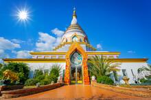Chedi Kaew At Wat Thaton, Mae ...