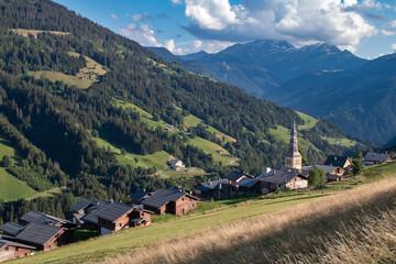 Village de Hauteluce (Beaufortain), en été