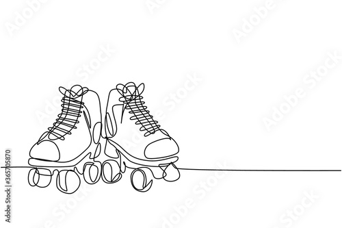 Fotografía Single continuous line drawing pair of old retro plastic quad roller skate shoes