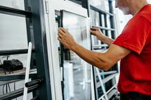Manual Worker Assembling PVC D...