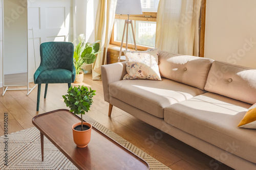 Fotografia Vintage studio apartment interior in light colors in old style