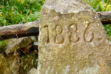 1886 Engraved On Stone