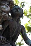 Fototapeta Fototapety Paryż - Francja , Paryż , sierpień 2015 , cmentarz Pere Lachaise , rzeźba chłopca na grobowcu