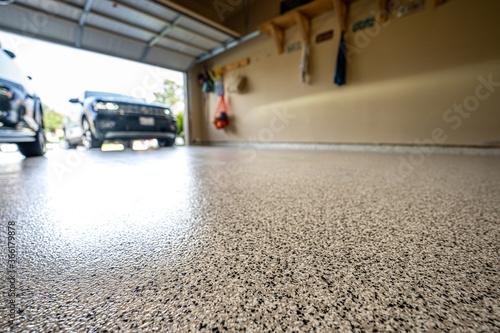 Obraz epoxy garage floor - fototapety do salonu