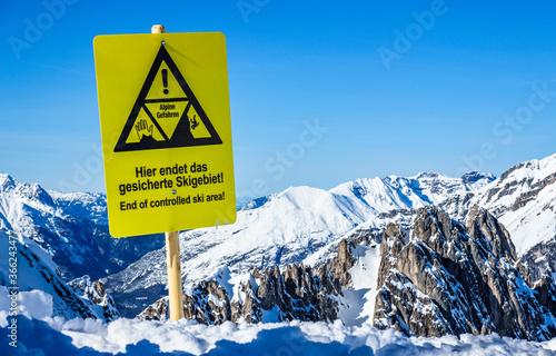 Fotografia end of controlled ski area sign