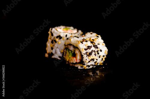 Cuadros en Lienzo California rolls crevette avocat - Photo de sushis, makis, california, chirashis