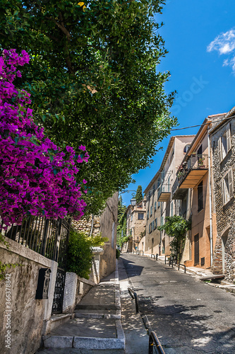 Fototapety, obrazy: Haut-de-Cagnes, a picturesque village at the top of a hill, is the oldest district of Cagnes-sur-Mer in French Riviera. Cote d'Azur, France.