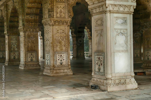 Outside diwan reception hall with inlaid mosaic marble columns Fototapet