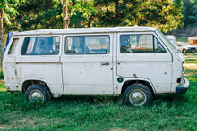Vintage VW Bus T3 On Campgroun...
