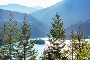 Panel Szklany Rzeki i Jeziora Mountains lake