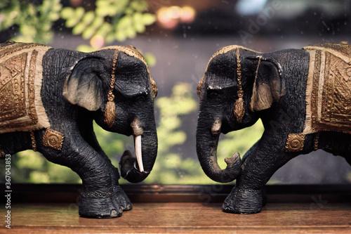 象の置物 Canvas-taulu
