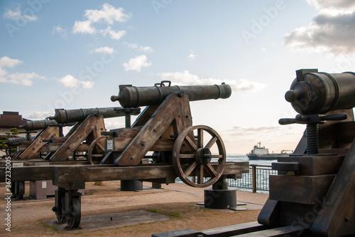Photo 関門海峡と大砲
