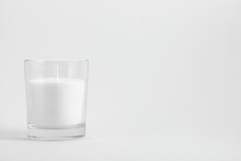 White Candle In Transparent Gl...