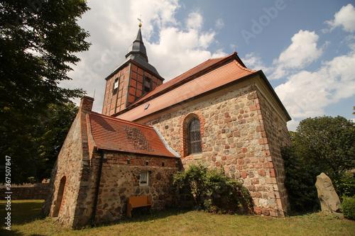 Leinwand Poster Dorfkirche im vorpommerschen Nieden