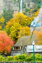 The Multnomah Falls Lodge In The Columbia River National Scenic Area Just East Of Porrtland, Oregon.
