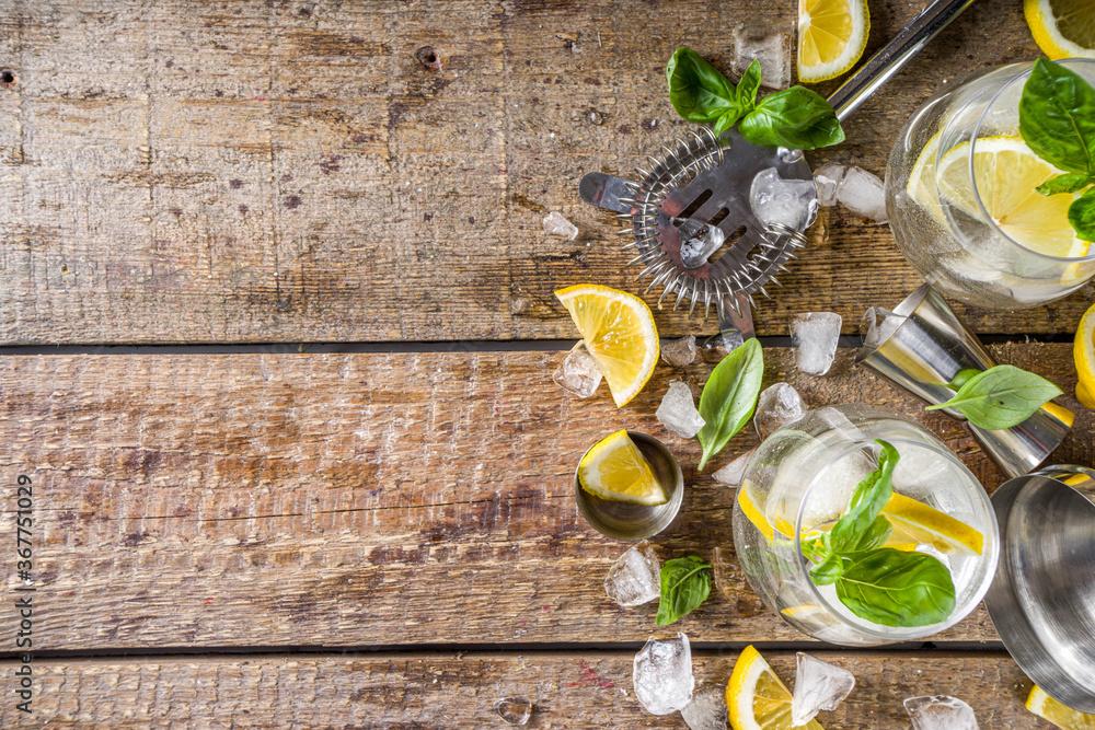 Fototapeta Boozy lemon basil lemonade