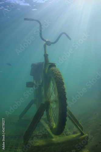 Fotografie, Obraz bicycle under the water