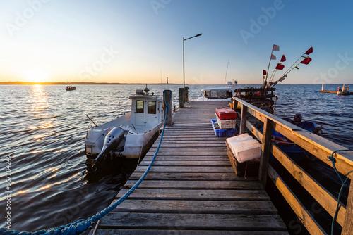 Fototapety, obrazy: Drewniany pomost nad morzem