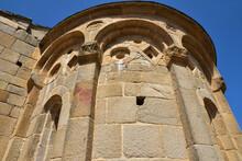 Abside De La Chapelle Romane San Pietro Et San Paolo à Lumio, Corse