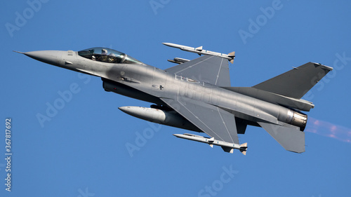 Obraz Military Air Force fighter jet aircraft on flight - fototapety do salonu