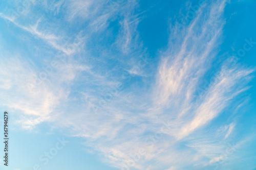 カーテンのような雲 Fotobehang