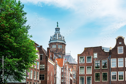 Tela Amsterdam, Netherlands - May 23, 2018 : Street view of downtown in Amsterdam, Ne