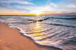 Zachód słońca nad morzem na plaży