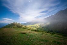 Valle Soleado En El Pico Pienzu