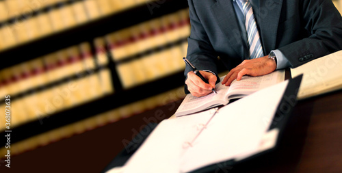 Assinando leis decreto advogado
